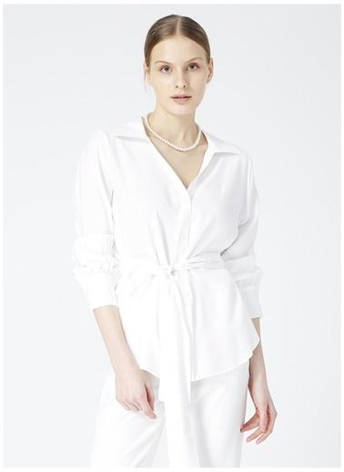 Fabrika Comfort Fabrika Comfort Gana Beyaz V Yaka KadınGömlek Beyaz